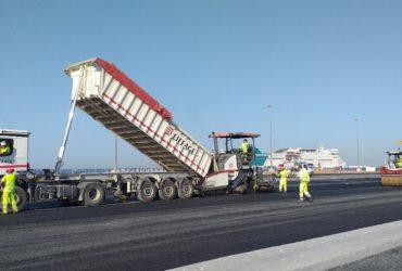 Eiffage réalisant des travaux sur sur le quai sud du port huelva