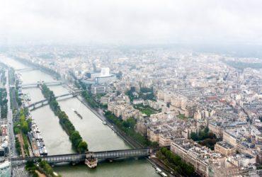 Une vue de Paris, depuis la Tour Eiffel.